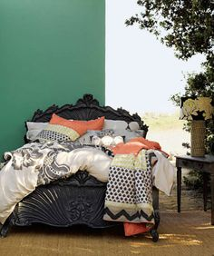 <3 the coral, ivory, & navy blue  and I will be redoing my room like this asap :)
