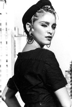 Madonna - Holiday - 1983 Demo - gangstersaysrelax - We Music Francesco Scavullo, Guy Ritchie, Bob Marley, Madona, La Madone, Madonna 80s, Madonna Costume, Stoner Rock, Sean Penn