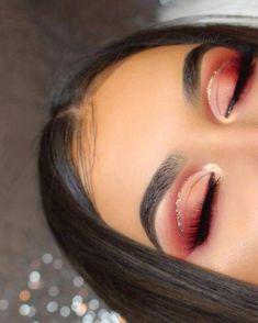 Spectacular Rote-Augen-Schminke-Looks sind wenige jener schönsten Schminke-Idee… Spectacular red eye makeup looks are few of those most beautiful makeup ideas! Incredible red eye makeup looks … Red Eyeshadow Makeup, Glitter Eye Makeup, Eyeshadow Looks, Makeup Lips, Demon Makeup, Makeup Geek, Hair Makeup, Coral Eye Makeup, Makeup Drop