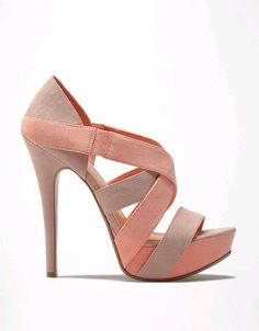 Staring the shoes with this simple, at the same time elegant stiletto shoes.