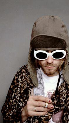 kurt cobain y esas iconicas gafas blancas