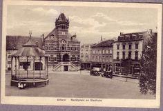 Het Marktplein en het stadhuis omstreeks 1930