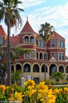 When W.L. Moody died in 1954, TIME magazine proclaimed him one of the 10 wealthiest men in the country.   The Moody Mansion - amazing - Galveston, TX