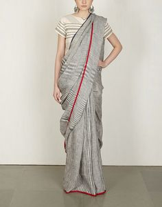 Charcoal Tie & Dye Sari : Anavila Pinned by Sujayita O Ma! Such beauty kills me. Indian Fashion Trends, Indian Designer Outfits, India Fashion, Ethnic Fashion, Fashion Wear, Indian Attire, Indian Ethnic Wear, Blouse Patterns, Saree Blouse Designs