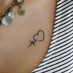 Disney Tattoo Herzschlag Tattoo - New Ideas Diskrete Tattoo, Coeur Tattoo, Bff Tattoos, Line Tattoos, Couple Tattoos, Body Art Tattoos, Tattoos For Guys, Tatoos, Woman Tattoos