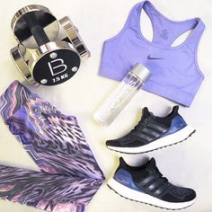 Pumped for a new week 👊 Love this getup!! 📷 by @basebodybabes  #sunday #goals #fitspo #basebodybabes #flatlay #purple #gymwear #activewear #girlswholift #gymmotivation #nike #nikewomen #flatlay #flatlays #flatlayapp www.theflatlay.com