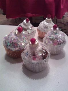 DIY cupcake ornaments with silver xmas balls & cupcake wrappers