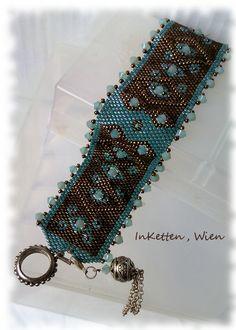 Merci Laulo :-))) J'ai pris to Beaded Cuff Bracelet, Peyote Beading, Beaded Bracelet Patterns, Peyote Patterns, Seed Bead Bracelets, Seed Bead Jewelry, Beading Patterns, Swarovski, Seed Beads