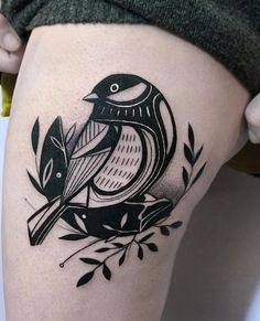 Black tattoo artists & schwarze tätowierer & artistes de tatouage noir & artistas del tatuaje negro & tattoo artists female, tattoo artists aesthetic, tattoo artists at work, t Bird Skull Tattoo, Black Bird Tattoo, Black And Grey Tattoos, Bird Tattoos, 3 Birds Tattoo, Tatoos, Et Tattoo, Tattoo Und Piercing, Male Tattoo