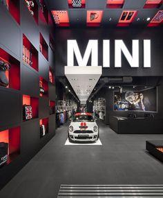红点奖、世界最佳零售店设计奖、欧洲年度最佳店铺设计奖—MINI pop-up store by Studio 38, London