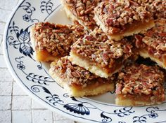 Made with classic baking ingredients, this recipe for Old Fashioned Pecan Pie Bars is similar to one your grandma might have used. Based on a traditional pecan pie recipe, these dessert bars have that same great taste but are easier to share! Easy Dessert Bars, Easy Desserts, Delicious Desserts, Yummy Food, Pie Recipes, Dessert Recipes, Cooking Recipes, Brownie Recipes, Easy Cooking