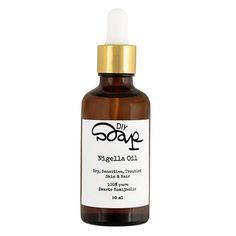 Nigella Oil - Flesje met pipet  Face Body en Hair - Dry Sensitive and Troubled Skin.Nigella Oil wordt ook wel Black Seed Oil (zwartzaadolie)of Black Cumin Oil (zwarte komijnolie) genoemd.Nigella wordtal meer dan 2500 jaar gebruikt als medicijn tegen vele kwalen.Het is het enige ingredient in deze 100% natuurlijke olie. Al toegepast in het oude Egypte staathet tegenwoordig bekend als de olie van de farao's. De olie kentvele helende eigenschappen voor de huid in het bijzonder voor de droge…