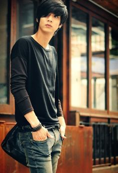 Korean ulzzang model Won Jong Jin. -Lily                                                                                                                                                                                 More