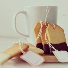 Theezakjes + koekjesdeeg = theekoekjes www.cookameal.be #cookameal #cookies #tea #homemade #bake #cute #chocolate #sweet #present #foodie #foodblog #foodphotography #foodporn #kenwood #kmix #recipe #yum