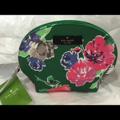 Kate spade Keri case. GRANT STREET GRAINY VINYL LOLLY  SIZE: ONE SIZE COLOR: SPROUT GREEN SPRING BLOOMS STYLE #: WLRU2121 kate spade Bags Cosmetic Bags & Cases