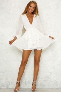 92903e03f438 10+ White Dress Ideas for Summer Avslappnade Klänningar, Korta Klänningar,  Sommarklänningar, Snygga