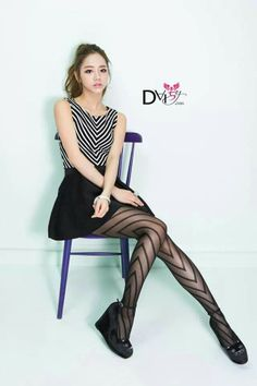Tights Galore aims to be the number one place for tights and pantyhose fashion inspiration. Guys And Girls, Kpop Girls, South Korean Girls, Korean Girl Groups, Girl's Day Hyeri, Lee Hyeri, Pantyhose Fashion, Just Girl Things, Tights