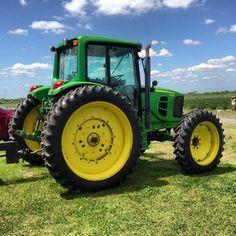"myothercitybythebay:  "" Beautiful day #strawberries #farm #upickem #johndeer #tractor (at WISH Farms)  """