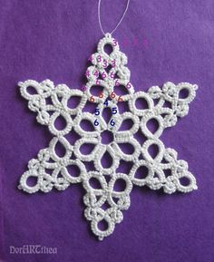"Snowflake / Medallion / Pendant with inked pattern that uses Split Rings & can be made in one pass. .... ""Tworzyć-frywolitkowa biżuteria i różne inne techniki"""
