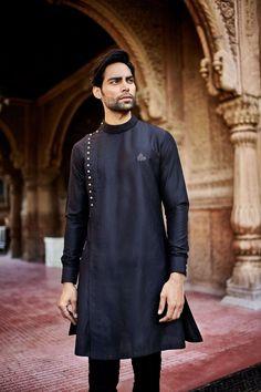 Kurta design for men men mens kurta designs, indian men fashion, kurt Mens Indian Wear, Mens Ethnic Wear, Indian Groom Wear, Indian Men Fashion, Indian Man, Mens Fashion, Indian Suits, Fashion Suits, Fashion Black