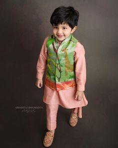 Baby Boy Suit, Baby Boy Dress, Baby Boy Outfits, Kids Outfits, Baby Boy Ethnic Wear, Ethnic Wear For Boys, Boys Kurta Design, Kids Frocks Design, Kids Party Wear Dresses