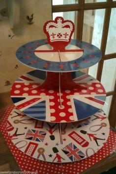 I love the UK Union jack, British, Royal  Cupcake cases Cake stand picks bags