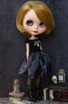 Blythe Halloween dress # Blythe black dress                                                                                                                                                                                 Mais