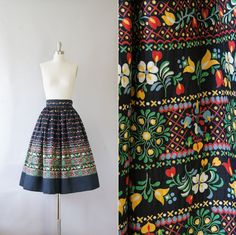 Stunning full1950s skirt / vintage 50s cotton skirt / Folk Art by Coralroot, $48.00 --- to wear to Dapper Day at Disney - MUST HAVE
