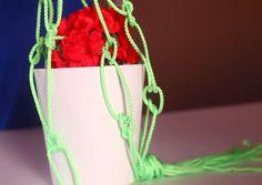 Basit bir ipi saksı sepetine nasıl dönüştürebilirsiniz? İşte cevabı... http://www.migrostv.com/ipten-saksi-sepeti/