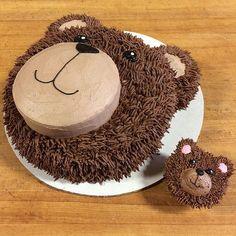 photo 5 Teddy bear face cake and teddy bear cupcake Teddy Bear Cupcakes, Panda Cupcakes, Teddy Bear Birthday Cake, Teddy Bear Party, Teddy Bears Picnic Party, Teddy Bear Baby Shower, Cute Teddy Bears, Picnic Birthday, Birthday Kids