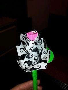 Ducktape flower pen