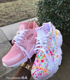 nike, shoes, and colors image Mode Shoes, Sneakers Mode, Sneakers Fashion, Shoes Sneakers, Shoes Heels, Pink Shoes, Nike Huarache, Basket Style, Zapatillas Nike Air