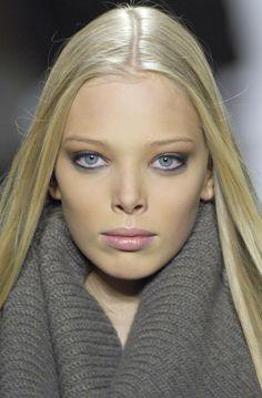 "Why do Russian Girls Look Like Models?  Tanya Dyagileva. #TanyaDyagileva #model   #TanyaDziahileva   Tanya Dziahileva/Dyagileva (Belarusian: Таццяна (Таня) Дзягілева, Russian: Татьяна (Таня) Дягилева; born 4 January 1991 in Vitebsk, Belarusian SSR), is a Belarusian model known for ""elfish"" and ""alien"" looks."
