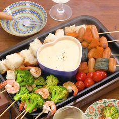 お家で簡単! チーズフォンデュのレシピ動画・作り方 | DELISH KITCHEN Japanese Food, Dairy, Cheese, Meat, Chicken, Dinner, Cooking, Kitchen, Recipes