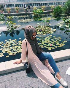 long pink cardigan blush hijab- Hijab fashion online http://www.justtrendygirls.com/hijab-fashion-online/