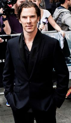 <3 Alot of women don't know what ALL the fuss is about over Ben.  No, he's not handsome to everyone but he's gorgeous to me.  He's a D*CK to some but I luv his feisty ways.  He's REAL and people hate it when you're REAL because most aren't accustomed to being ORIGINAL, they are only used to being a COPY.  <3  Benedict Cumberbatch