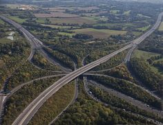 M25   London's orbital motorway / Helicopter Flight - M25 / M23 Junction