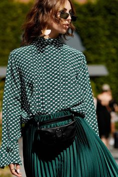 21 Work Outfit Ideas From Copenhagen Fashion Week Only Fashion, Work Fashion, Trendy Fashion, Fashion Looks, Fashion Design, Fashion Trends, Street Fashion, Sneakers Outfit Casual, Casual Outfits