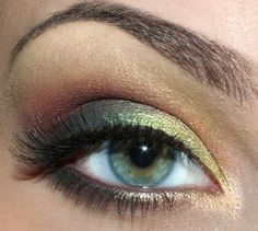 yellow/gold to green with red/orange in the crease and a cream highlight + shimmer all over... love. For ASHLEE