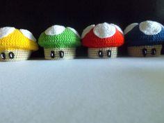 Colecciona todas las setas de Mario Bross!! Hechas en lana a mano, también se pueden pedir individuales, animate a conseguirlas todas!!!, escribenos a nerelana86@gmail.com