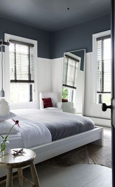 18 Trendy bedroom black and white ideas mirror Living Room White, Half Painted Walls, Bedroom Design, Living Room Grey, Blue Bedroom, Simple Bedroom, Bedroom Colors, White Rooms, Bedroom Ceiling