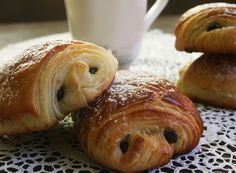 Pains au Chocolat Express au Thermomix Cooking Chef, Easy Cooking, Cooking Time, Cooking Recipes, Sweet Desserts, Sweet Recipes, Dessert Recipes, Croissants, Lidl
