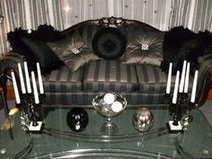 Pillow accents help create a nice gothic look - Halloween forum