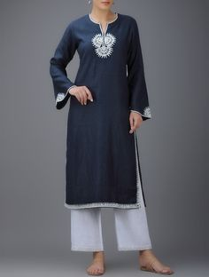 Neck Designs For Suits, Kurti Neck Designs, Designs For Dresses, Boho Fashion Over 40, Ethnic Fashion, Colorful Fashion, Linen Dresses, Casual Dresses, Casual Outfits