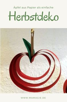 DIY Apfeldeko - - DIY Apfeldeko Papier Beautiful autumn decoration: paper apples quick and easy to make yourself. decoration # Crafts for autumn Diy Crafts For Teens, Fun Diy Crafts, Winter Crafts For Kids, Fall Crafts, Kids Crafts, Kids Diy, Simple Crafts, Decor Crafts, Home Decor