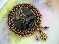 Victorian Flower - Vintage Button Jewelry