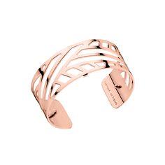 Faites évoluer vos bijoux selon vos envies avec ce bracelet Les Georgettes. La manchette large de 25 mm qui vous est proposée ici arbore le design Ruban dans la finition or rose brillant.