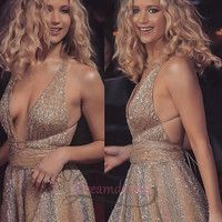 Jennifer Lawrence Red Sparrow' premiere in London 💝 Jennifer Lawrence Red Sparrow, Jennifer Lawrence Style, Beautiful Celebrities, Gorgeous Women, Jenifer Aniston, Fashion Mode, Prom Party Dresses, Dress Party, Selena