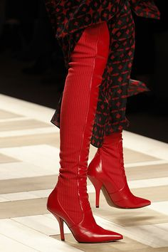 134b9dfc7fb6 Fall 2017 Winter 2018 Fashion   Scroll down to view more details of Fendi  Shoes Fall
