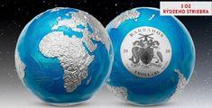 Numizmat je verným 3D modelom planéty Zem s priemerom 50 milimetrov a je vyrazený do 3 oz rýdzeho striebra (Ag 999/1000). Každá minca, z celkovo veľmi nízkej limitácie 999 kusov, je ručne zdobená blankytne mm smaltom zvýrazňujúcim svetové oceány. Vďaka parciálnemu kolorovaniu ešte viac vyniknú všetky svetadiely priznané v rýdzom striebre. Barbados, Perth